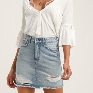 Billabong denim skirt size 28